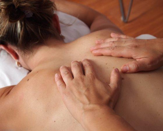 Schulter-Nacken & Rückenmassage